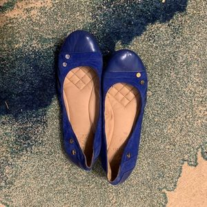 Vince Camuto Royal blue flats with gold hardware